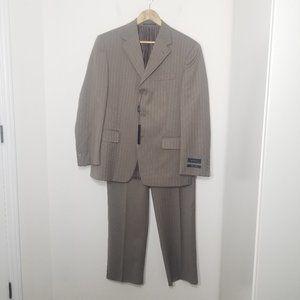 🆕Isaac Mizrahi Tan Pinstripe Two-Piece Suit 40/34